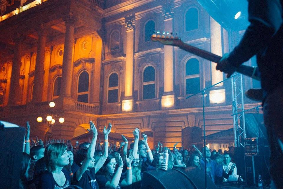 Buda-Castle-Palinka-Sausage-Festival-Budapest-Night-Concert