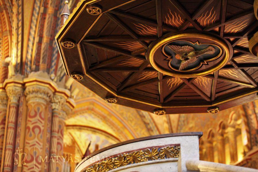 Matyas-Templom-Matthias-Church-Buda-Castle-Interior
