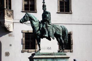 Statue of Andras Hadik in Buda Castle