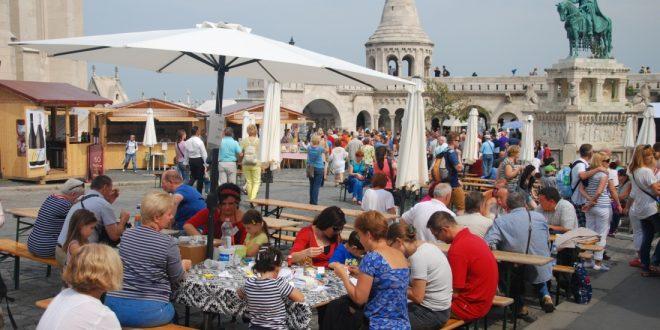 Book Fair in Buda Castle - photo by mnl.gov.hu