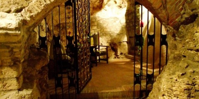 Faust Wine Cellar Budapest