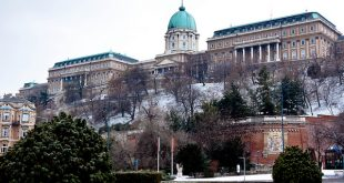 Budapest Winter Sights Buda Castle Hill - photo by Philippe Clabots